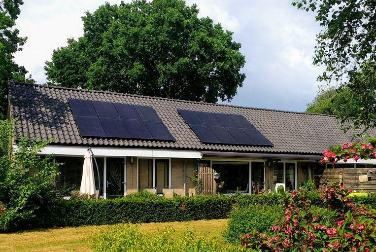 Zonnepanelen op daken vormen de komende vijf jaar een enorme groeimarkt. Beeld Vincent Dekker
