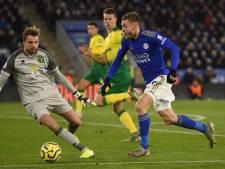 Leicester raakt ondanks eigen doelpunt Krul verder achterop in titelstrijd