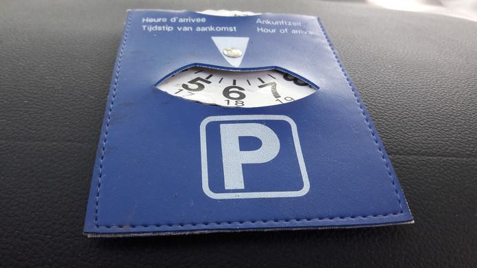 Blauwe parkeerkaart.