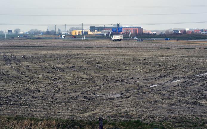 De trekdijk bij Nieuw- en Sint Joosland.