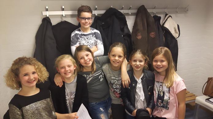 De kinderen van het Groot Boxtels Ukelele Orkest.