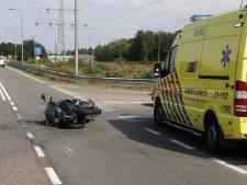 Motorrijder raakt gewond na botsing met auto bij Gennep