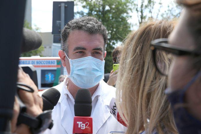 Dokter Roberto Gusinu van het Santa Maria alle Scotte-ziekenhuis.