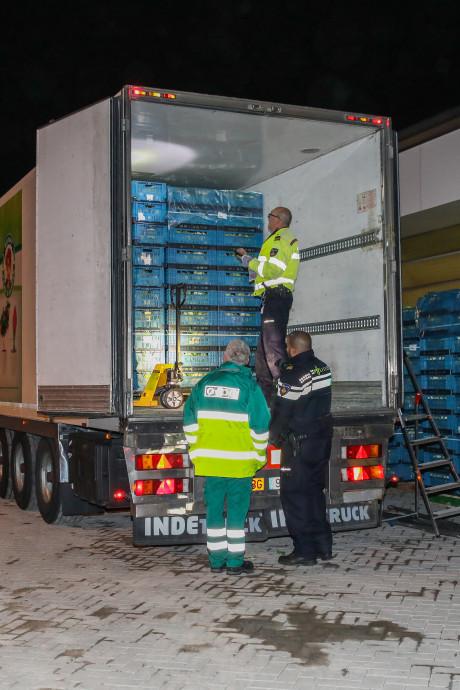 Vier verstekelingen in koelwagen Rotterdam-Zuid: chauffeur (61) uit Spanje aangehouden