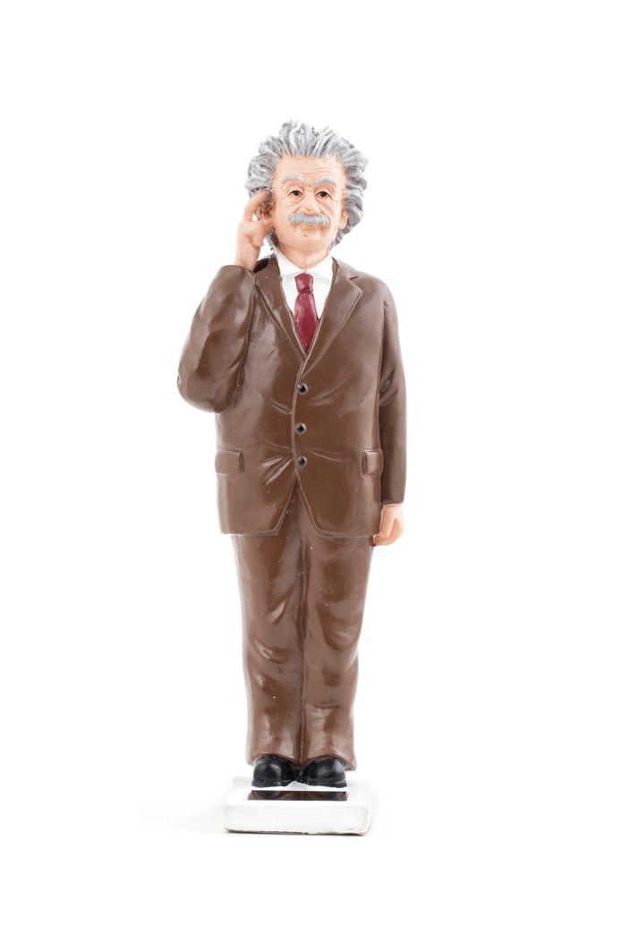 Ter inspiratie  Albert brengt je vast op ideeën. Einstein zei ooit: 'Als een rommelig bureau een rommelig hoofd weerspiegelt, wat te denken van een leeg bureau?' De Solar Einstein tikt daarbij veelbetekenend op zijn hoofd, mits hij in de zon staat natuurlijk. 18,5 cm, €21,95, cadeau-cadeau.nl
