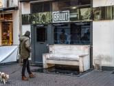 Café Bruut houdt nachtelijke handtekeningenactie: 'Dit raakt mij in mijn hart'
