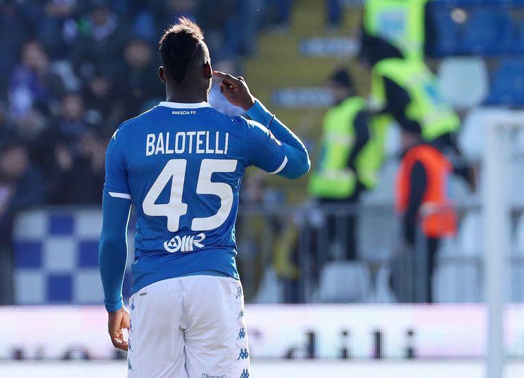 Balotelli scoort tegen Lazio. Beeld EPA