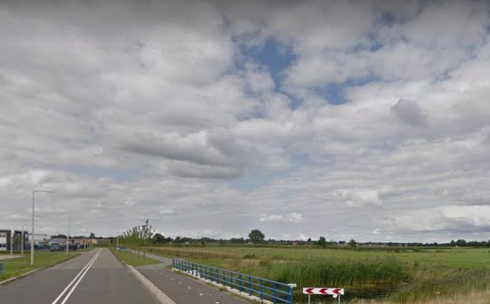 De plek waar het nieuwe bedrijventerrein in Staphorst moet komen, vlak naast het bestaande terrein.