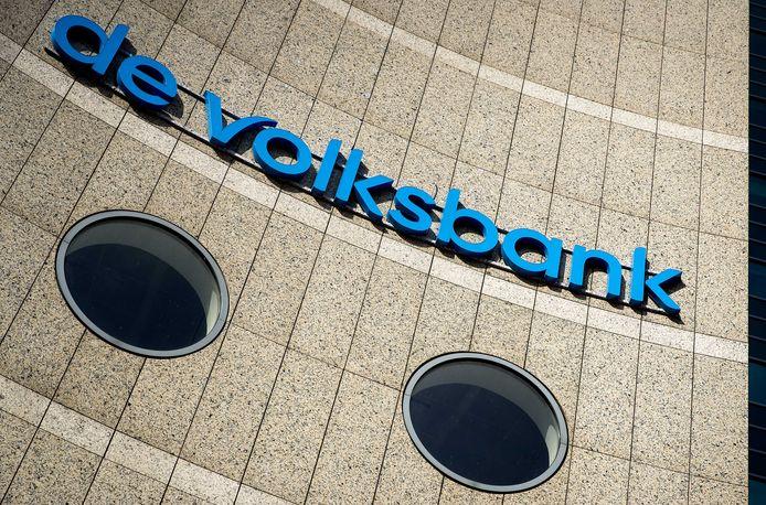 Exterieur van het hoofdkantoor van de Volksbank.