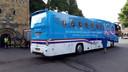 KLM pendelbus op de Oude Markt in Enschede.
