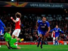 Arsenal buigt diep in verlenging het hoofd voor Olympiakos