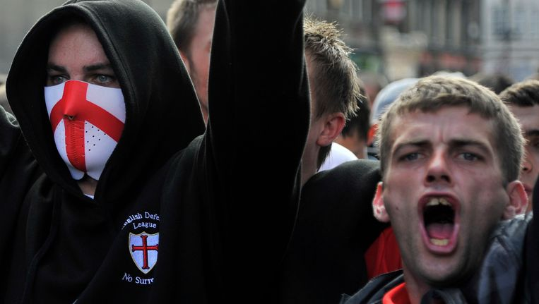 Betogers van de extreem-rechtse English Defence League. Beeld REUTERS