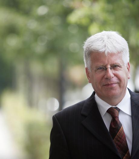 Sjraar Cox 25 jaar burgemeester: 'hoog tijd dat we criminaliteit aanpakken'