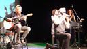 Optreden van Ernest Beuving tijdens de seizoensopening.