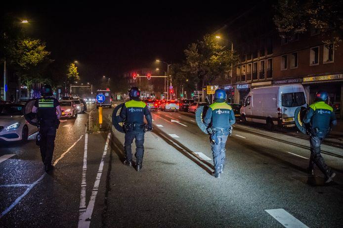 Twintig jongeren werden donderdagnacht in de Schilderswijk aangehouden.