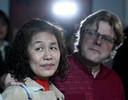 Johan Smets et son épouse Hua à l'hôpital Militaire Reine Astrid : conférence de presse de la Défense sur le Coronavirus Covid-19