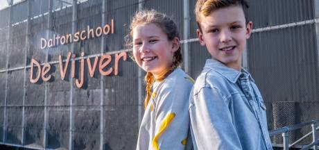 Nootdorpse tweeling in Saved by the bell: 'BNN'ers krijgen billenkoek'