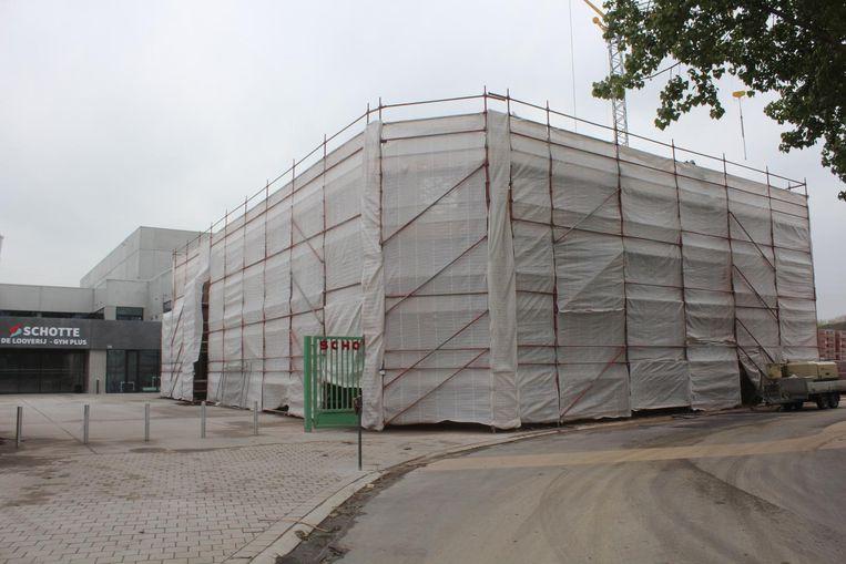 Het jeugdverblijf aan het sportcomplex Schotte is in volle opbouw.