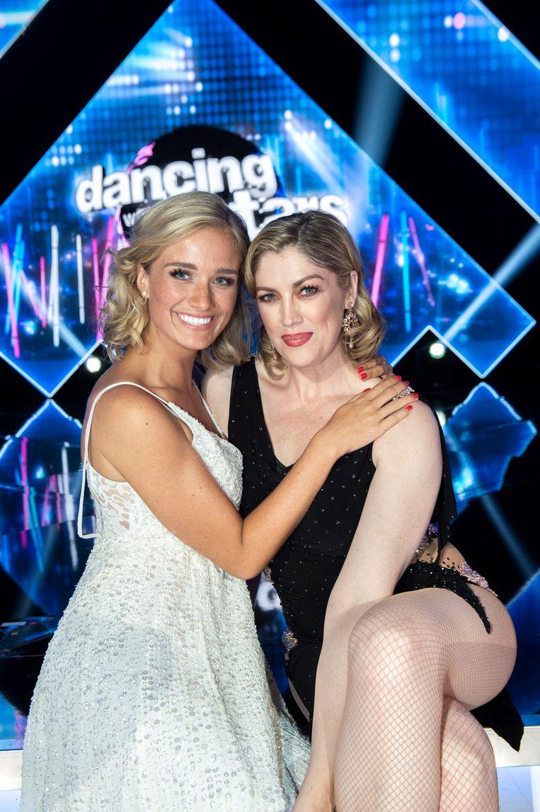 Julie Vermeire en Kelly Pfaff tijdens 'Dancing With The Stars'.