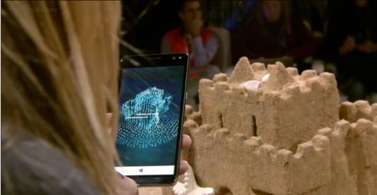 Het rondom filmen van een zandkasteel, zodat het omgezet kan worden in een 3D object in het tekenprogramma Paint.