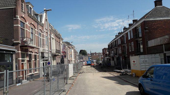Nieuw onderzoeksterrein voor de archeologen: de toekomstige Jansbeek in de Nieuwstraat bij de Rijn.