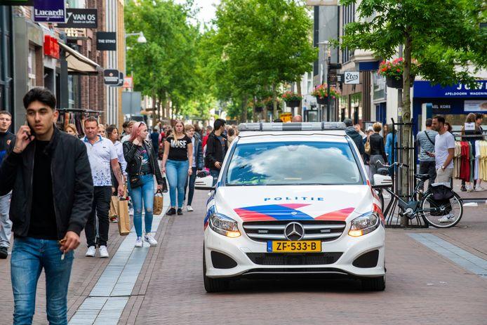 Politie en handhavers ontruimen in mei de Hoofdstraat van Apeldoorn op last van burgemeester Heerts. Dat is nu opnieuw denkbaar.