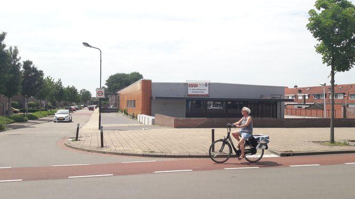 Voormalig winkelpand Aldi aan de Axelsestraat in Terneuzen waar Basic Fit de eerste Zeeuws-Vlaamse vestiging opent.