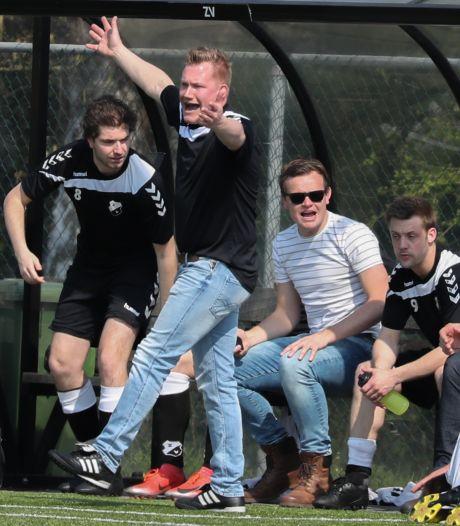 MVV'29-coach Ottenhof gaat goed in Lezerstour: 'Trainer, je staat er goed voor'