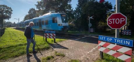 Onbewaakte overweg aan Zandkampweg in Lunteren is afgesloten