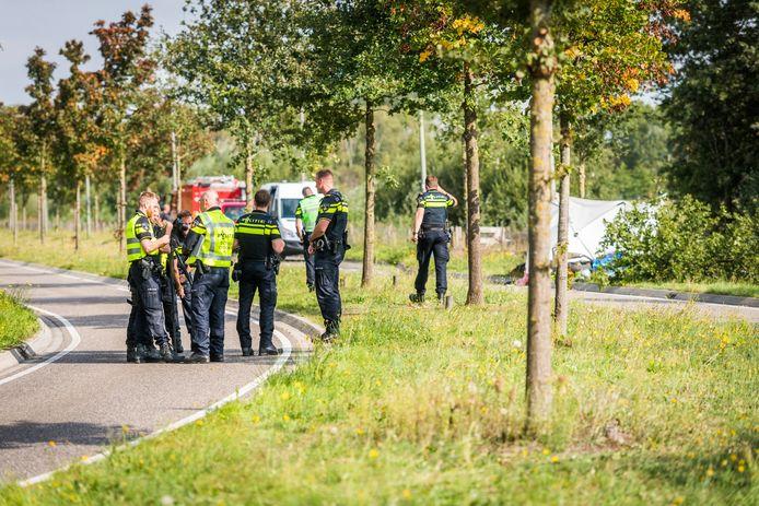 Motorrijder overleden na botsing tegen boom in Helmond.