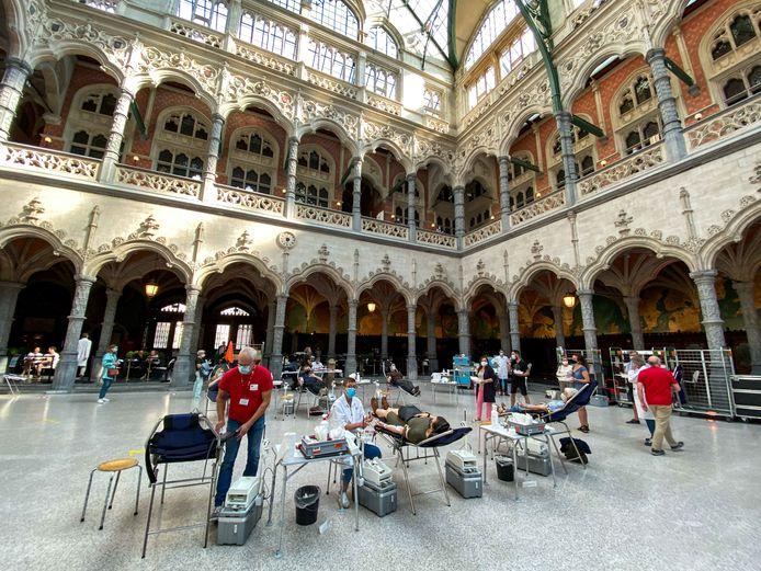Het Rode Kruis zamelde in september ook al eens bloed in in de Antwerpse Handelsbeurs.