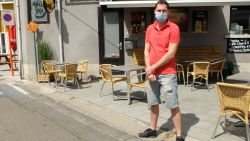 """Kafee Spek in Rijmenam niet te spreken over avondklok voor horeca: """"Op een steenworp van hier mag je wel na 23 uur een pint drinken"""""""
