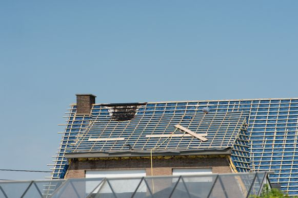 Het dak van het huis aan de Mechelbaan liep schade op.
