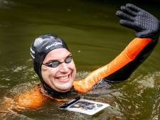 Maarten van der Weijden zwemt Elfstedentocht opnieuw