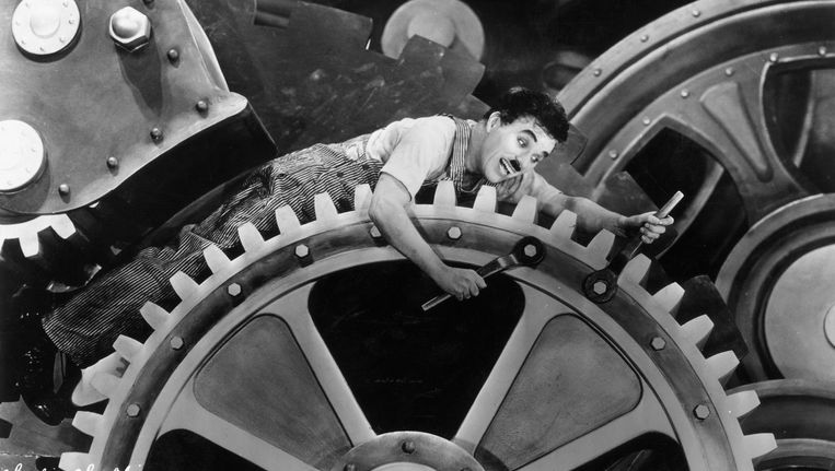 Charlie Chaplin in Modern Times. Beeld