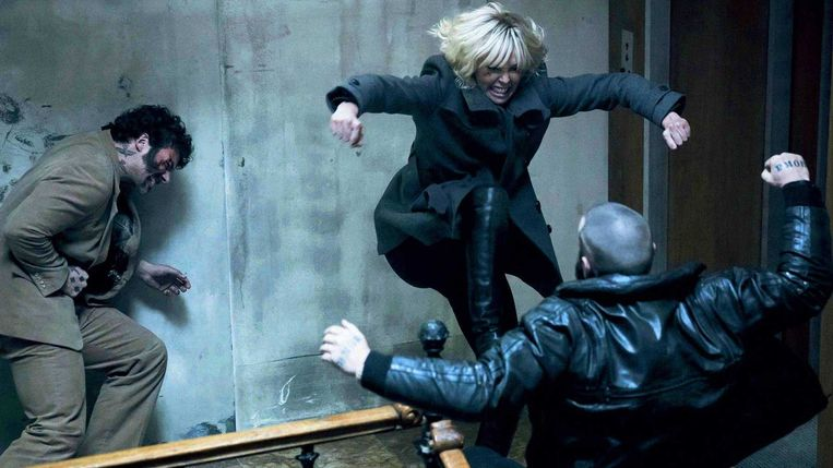 Charlize Theron in Atomic Blonde van David Leitch. Beeld