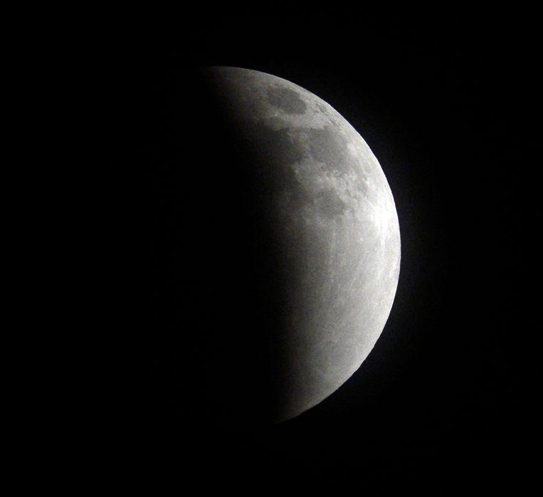 Een maansverduistering in 2014, gezien vanuit Los Angeles.