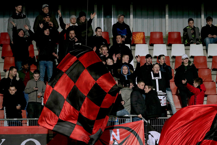 Supporters van Helmond Sport tijdens Helmond Sport - Go Ahead Eagles
