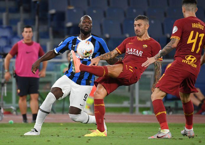 Après un an à Rome, Aleksandar Kolarov débarque à Milan.