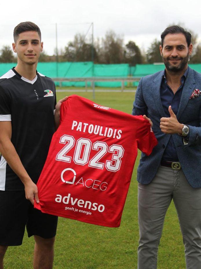 Patoulidis, hier met zijn makelaar, tekende een contract tot 2023 aan de Kust.