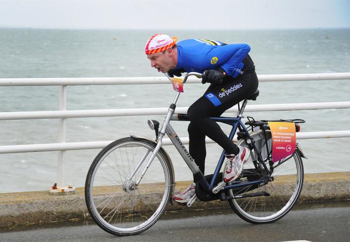 Bart van Moorsel uit het Oirschotse fietsteam deed mee aan het NK Tegenwindfietsen.
