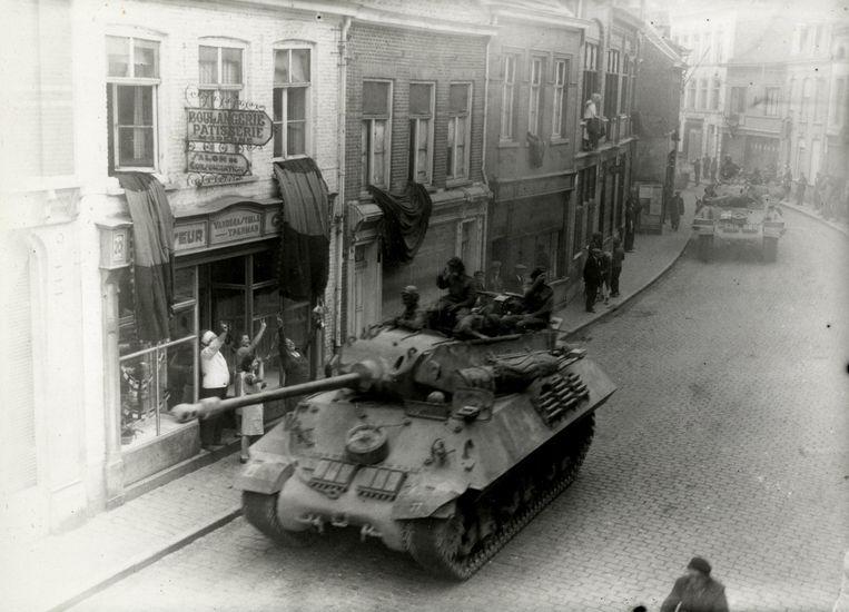 Een beeld van de bevrijding van Poperinge.