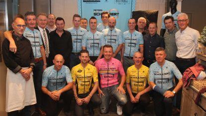 Kristof (47) zet hobby verder als renner en ploegleider van nieuwe wielerploeg Schollaert Cycling Team