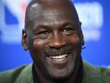 Michael Jordan stapt in autosport, met Bubba Wallace als coureur