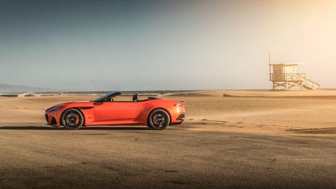 Aston Martin DBS Volante Superleggera
