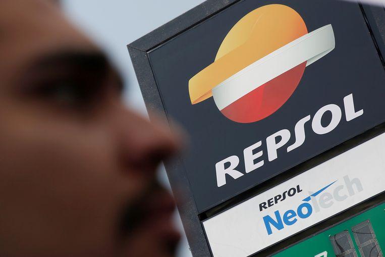Het Repsol-logo bij een benzinepomp in Mexico. Beeld Reuters