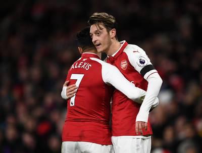 Transfernieuws | Wenger noemt vertrek Özil en Sanchez uitgesloten