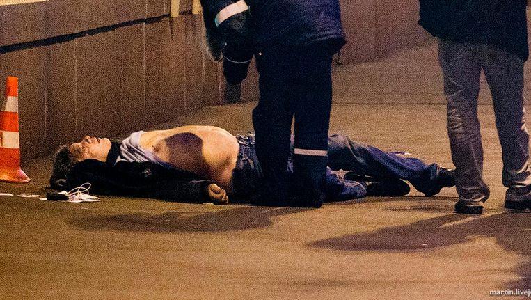 Het lichaam van Boris Nemtsov. Beeld ap