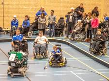 Opgevoerde rolstoelen op eerste competitiedag E-hockey in Zwolle