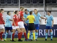 LIVE | Oranje nog niet in problemen ondanks vroege rode kaart Dekker